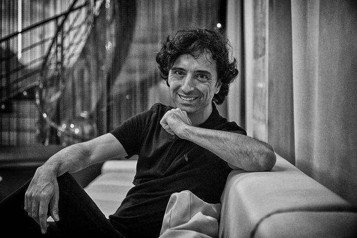 Andrés Pascual autor de 'A merced de un dios salvaje'