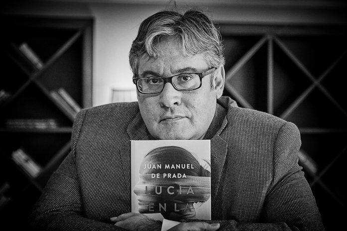Juan Manuel de Prada Lucía en la noche Editorial Espasa